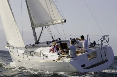 Beneteau Oceanis 34. Обзор яхты. Сравнение, тесты