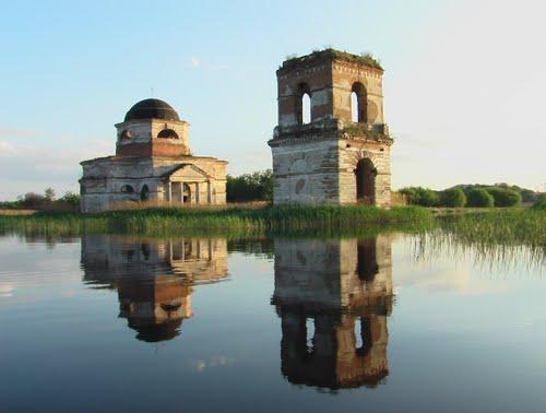 Гусинцы. Достопримечательности на берегу Днепра, куда пойти на яхте, походы на яхте